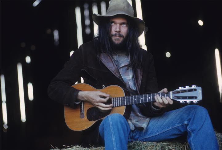 Neil_Young_haystack